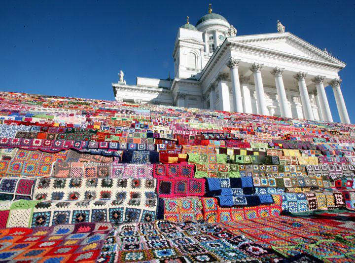 isoäidinneliö, virkattu peitto, tilkkupeitto, crocheted blanket, woolen blanket, blanket, crochet