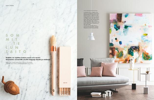 Jenni Juurinen esittelee taidetta Deko-lehden ajan henki -osiossa.