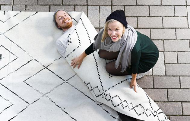 Saana Ja Olli : Suunnitteluduo saana ja olli kertovat kuinka suositut matot syntyvät