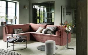 sohva samettia