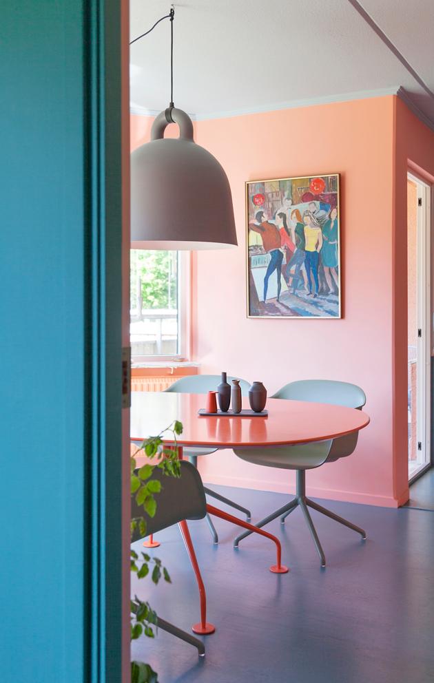 Danielin kodissa persikkaiset sävyt ovat saaneet rinnalleen viileän sinivihreän.: