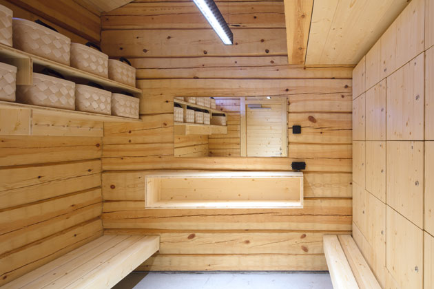 Lonnan saunan pukuhuone