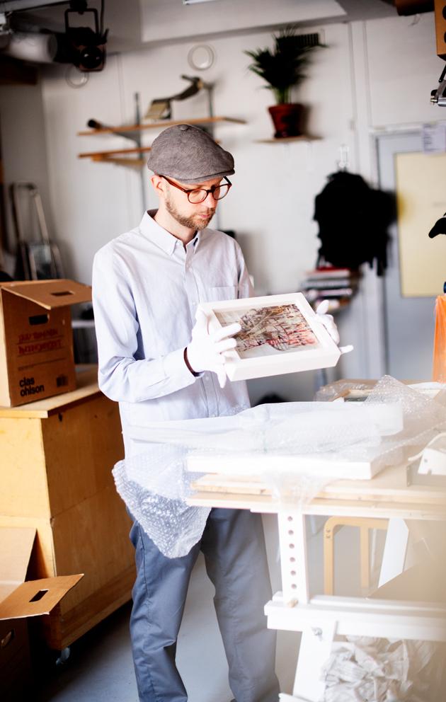 Tatu Tuominen ja syksyn näyttelyn lähtökohtana oli yksi ainoa arkkitehtuurikirja