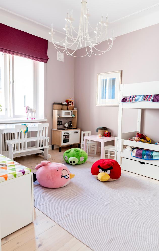 Lastenhuoneen sävy on vaaleanpunainen.