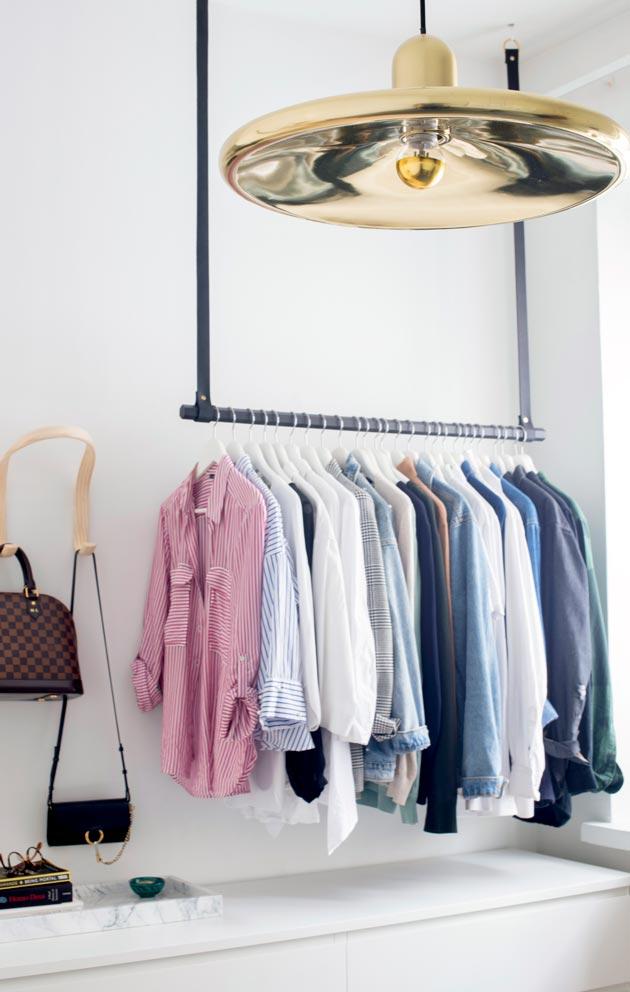 Makuuhuoneessa säilytystila on hyödynnetty myös korkeussuunnassa.
